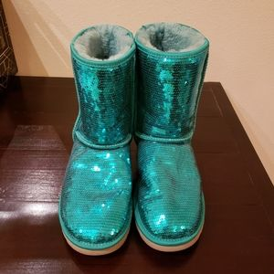 UGG Classic Short Sheepskin Sparkles Boot GREEN